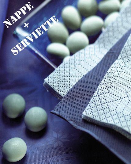 parure table bleu marine articles de f te vaisselles jetables le. Black Bedroom Furniture Sets. Home Design Ideas